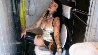 Disgust Training For Lady Vampiras Toiletslave