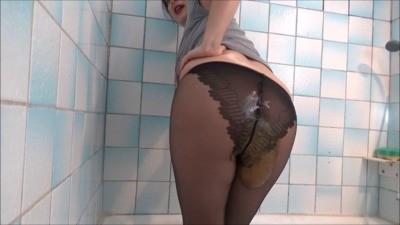 Mistress Roberta – Black Pantyhose Breakfast POV