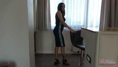 Pee The Luxury Hotel Room 1 – Floor Carpet