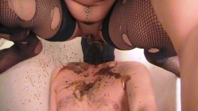 Mistress Anita – Diarrhea In Face In Bathtub