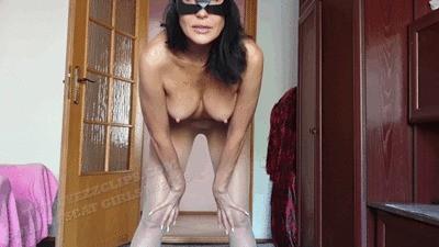 Natalia Pisses In Nylon Pantyhose