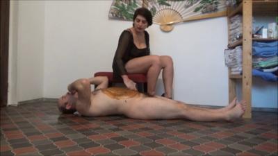 Mistress Roberta – Marking My Fresh Bitch – Golden Shower And Shit