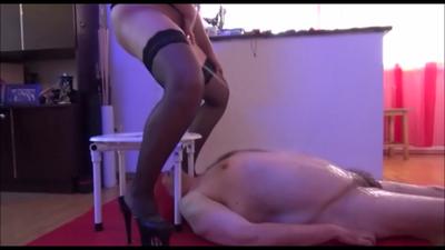 Mistress Roberta- Late Toilet Play