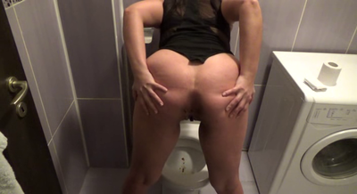 Mistress Roberta – Tasty Strong Shit In Pee Soup