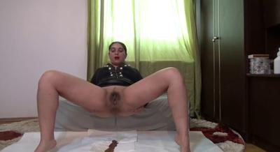 Mistress Roberta – shit Trail For Breakfast