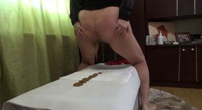 Mistress Roberta – Long Diarrhea Trail