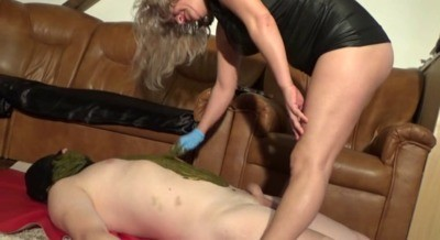 Shit Scrub With Mistress Victoria