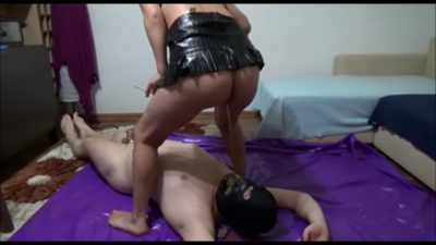 Mistress Victoria – Hammering And Feeding Pot With Shit And Cigarette