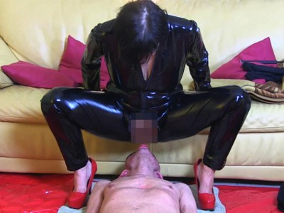 Golden Shower With Blindfold