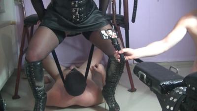 Goddess Andreea Humiliating Her Toilets