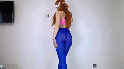 Shitting In Colored Leggings