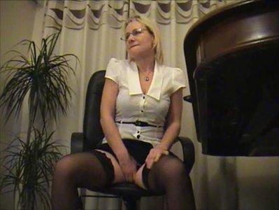 Desperate Secretary Needs A Pee
