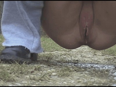 Inexperienced Teen With Cute Shaved Pussy Piss In The Park