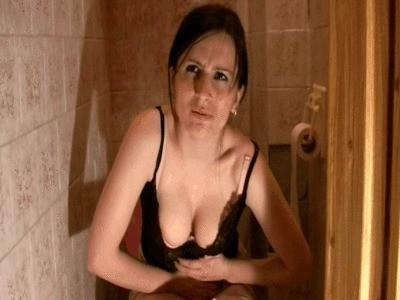 Leila Poop Toilet