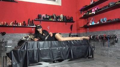Mistress Gaia – Shit In A Hurry