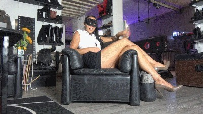 Mistress Gaia – Scat To Go
