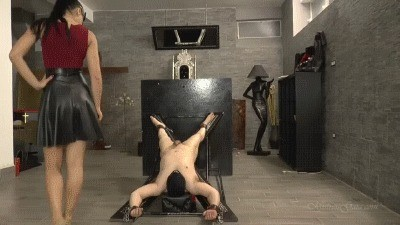 Mistress Gaia – Thirsty For My Pee