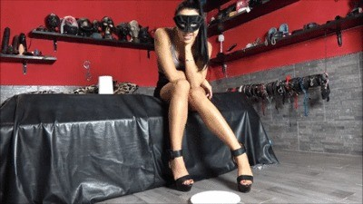 Mistress Gaia – Wanna Be My Toilet-slave