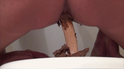 Anal Show And Shit Play On The Toilet